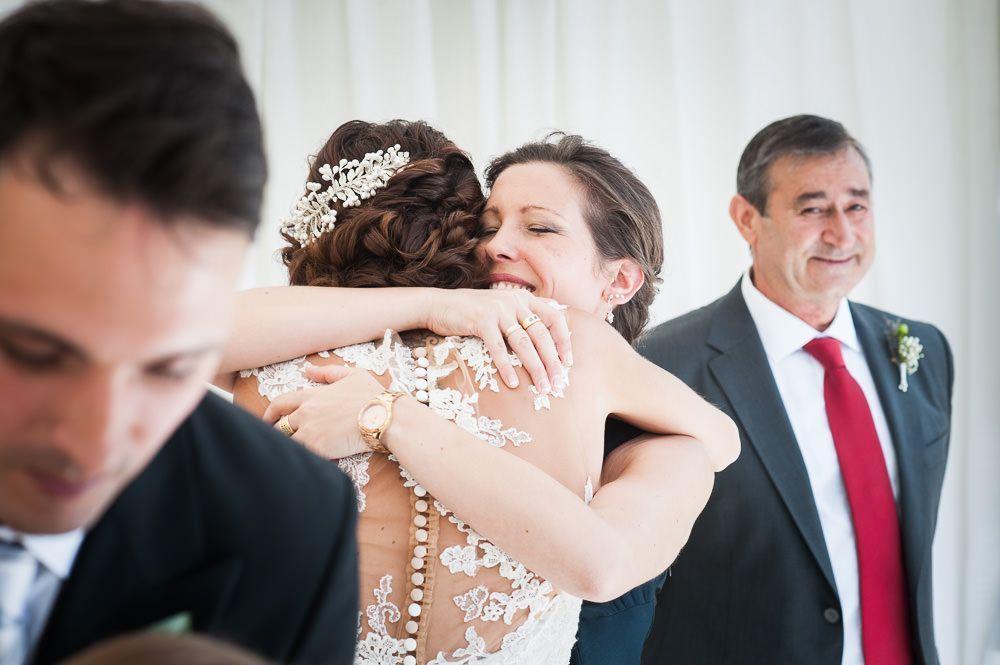 fotos de nacho bueno abrazo ceremonia de boda