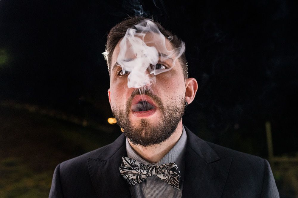 retrato con humo en banquete de boda