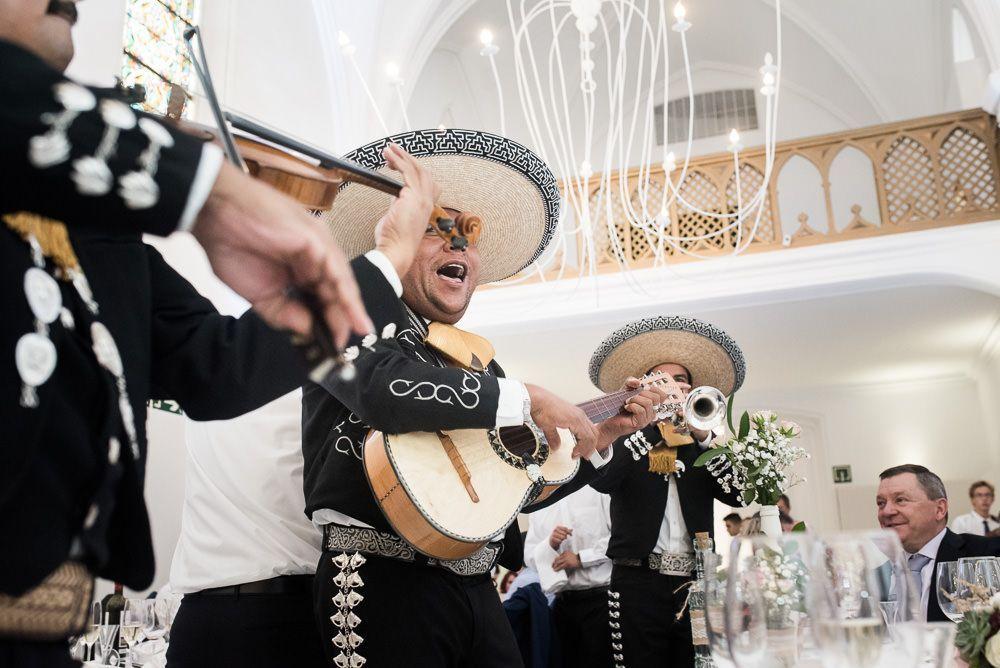 mariachis boda hotel catedral pamplona