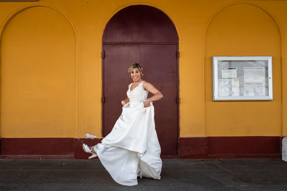 fotografo de bodas en navarra novia bailando