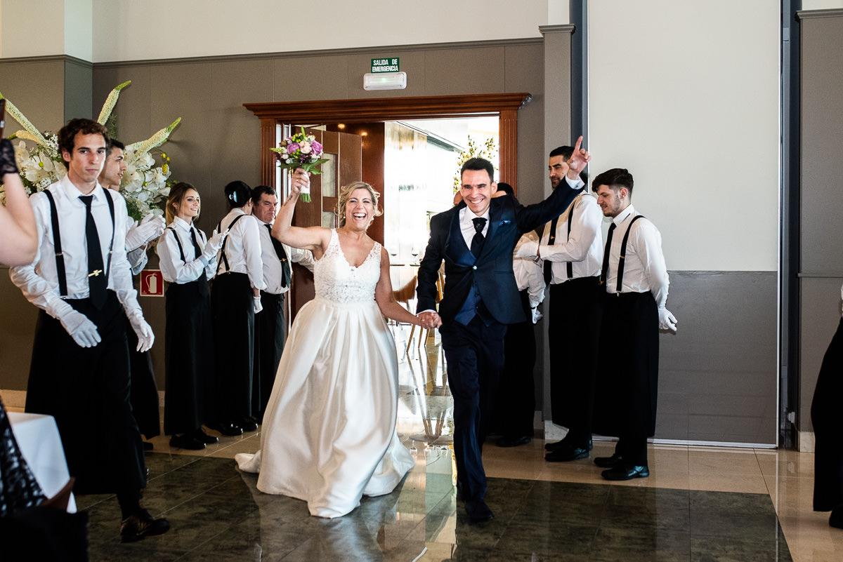 fotografo de bodas en navarra saludo banquete