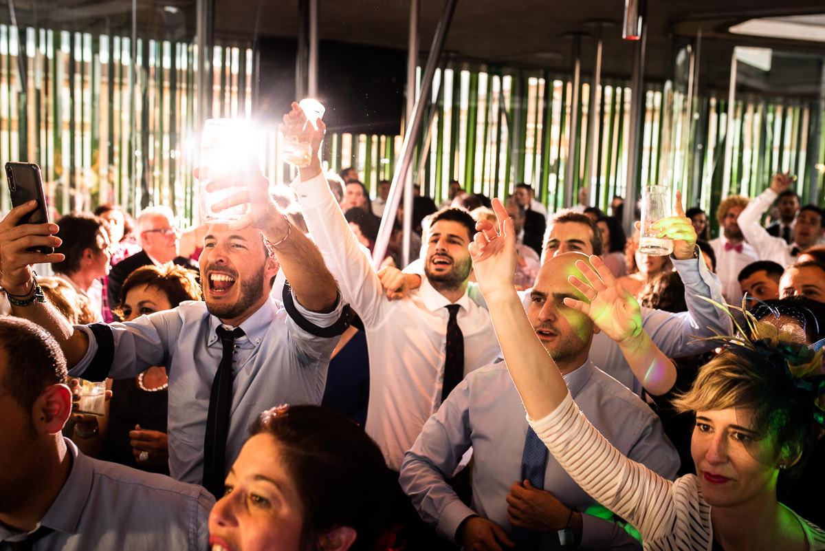 fotografo de bodas en navarra fiesta a tope